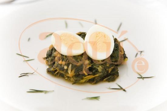 Acelgas salteadas con huevo cocido