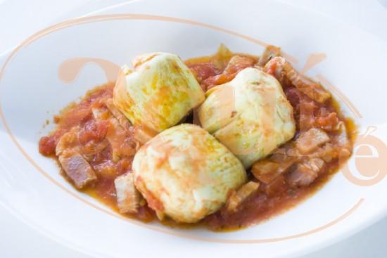 Alcachofas salteadas con tomate