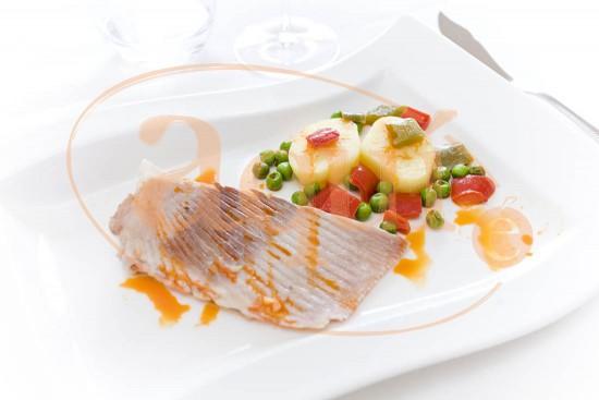 Caldereta de raya con verduras
