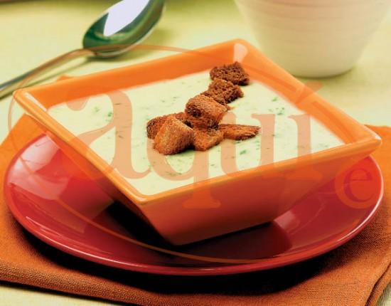 Crema de alcachofas con jamón
