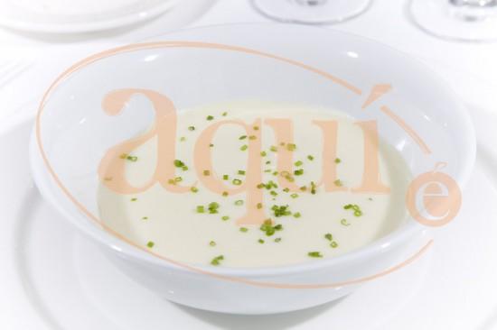 Crema Dubarry (de coliflor, patata y puerro)