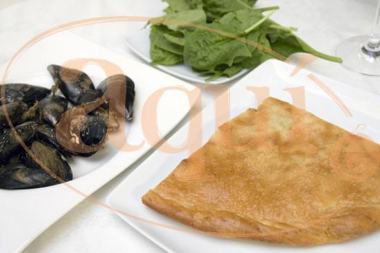 Empanada de mejillones y espinacas