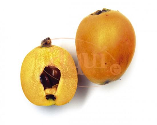 Fruta fresca (nísperos)
