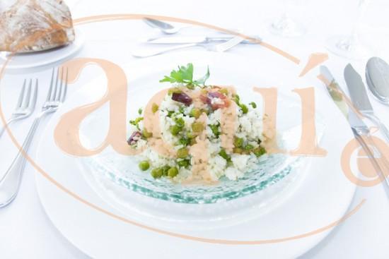 Guisantes con arroz y jamón