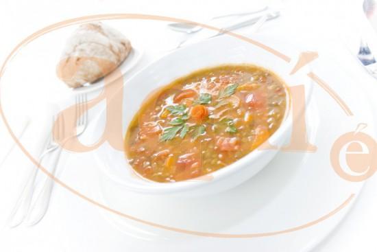 Lentejas con tomate y cebolla