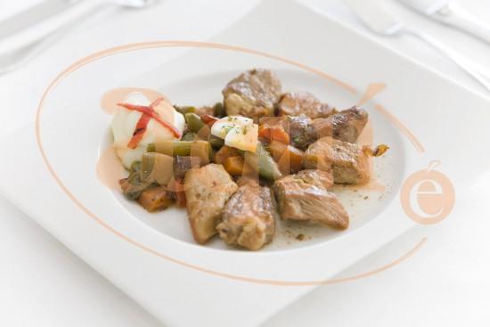 Lomo de cerdo salteado con verduras