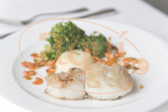 Lomo de merluza con verduras