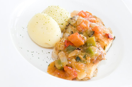 Merluza en salsa de piperada