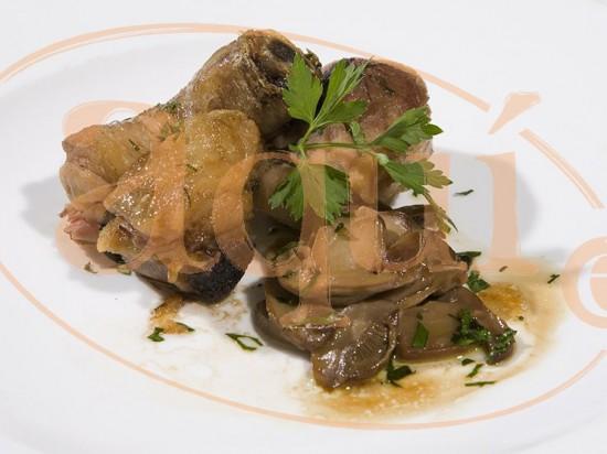 Muslitos de pollo al ajillo con champiñones