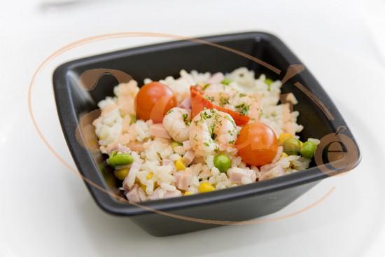 Salteado de arroz tres delicias