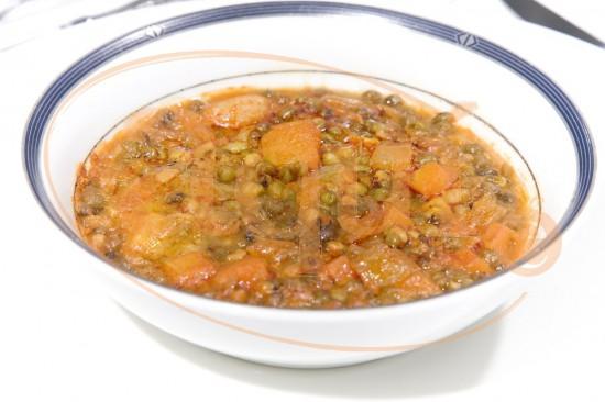 Soja estofada con verduras